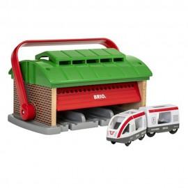 BRIO 33474 Zamykany garaż + pociąg osobowy